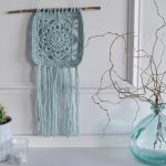 Hooked on Wall Hangings! A new crocheted flower wall hanging. - Hobbydingen.com