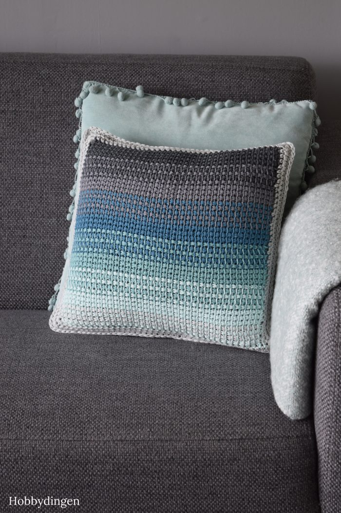 New Design: The Ombre Pillow //Tunisian Crochet Project - Hobbydingen.com
