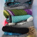 Box Full of Handmade Winter Goodies...... Knit and Crochet - Hobbydingen.com
