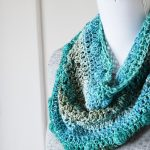 Crochet Pattern: Shades of Blue Cowl - Hobbydingen.com