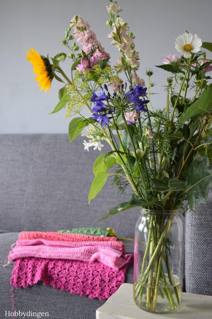 The Flower Fields Shawl - Hobbydingen.com