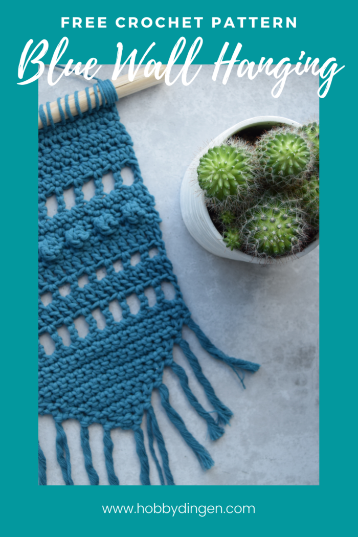 Free Crochet Pattern Blue Wall Hanging - Hobbydingen.com Crochet this beautiful small wall hanging with different crochet stitches.