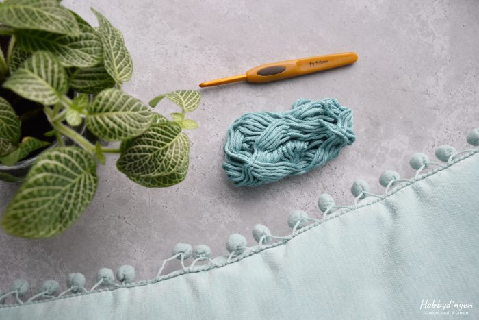 Yarn and Crochet Hook - Hobbydingen.com