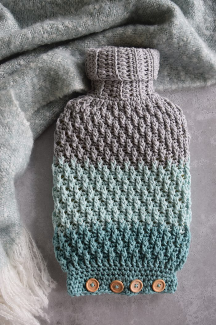 Crochet Pattern Cozy Hot Water Bottle Cover - Hobbydingen.com