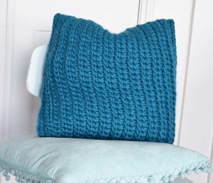 Crochet Pattern Pillow 'Love Wool'
