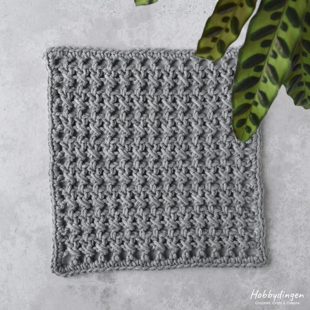 Haakpatroon December Vierkant van de Year of Squares Deken crochet along - Hobbydingen.com