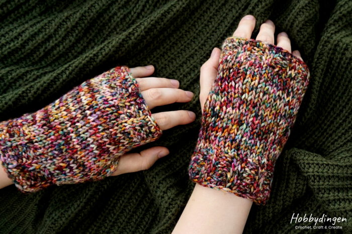 Tunisian Crochet Pattern Colors of Autumn Wrist Warmers - Hobbydingen.com