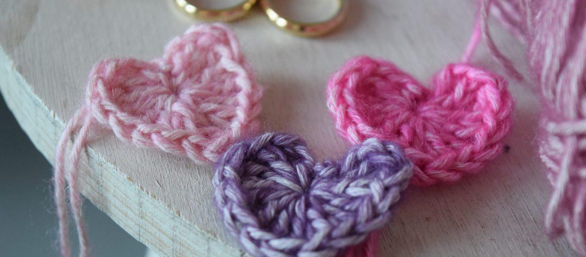 Free Crochet Pattern Hearts for Valentine's Day - Hobbydingen.com