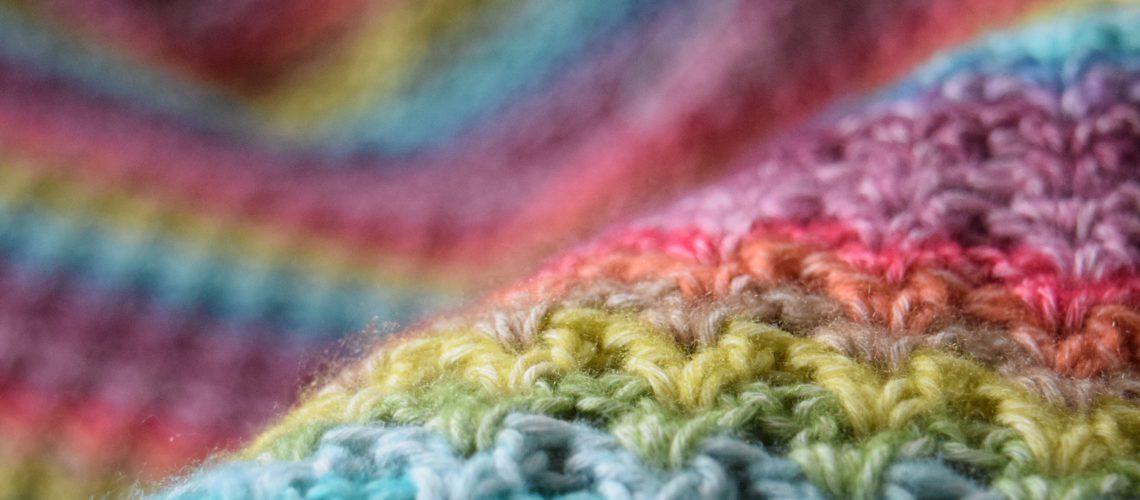 Rainbow V-Stitch Blanket - Hobbydingen.com